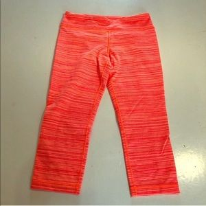 UNDER ARMOUR Cropped Heathered Orange LEGGINGS S